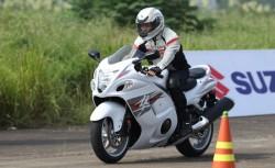 Đào tạo trọn gói  lái xe mô tô hai bánh phân khối lớn hạng A2, dung tích xi lanh từ 175cm3 trở lên
